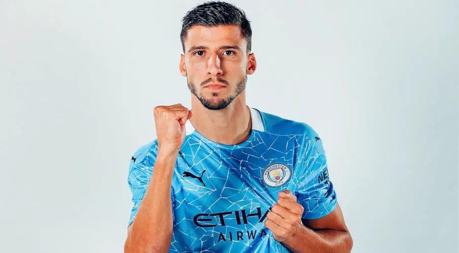 Dias Is Premier League's Best Defender – Carragher