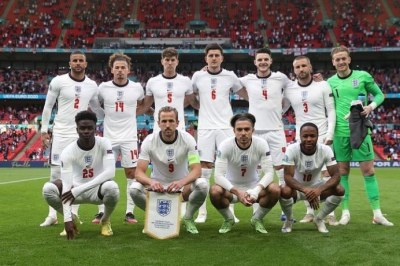 bukayo-saka-euro-2020-emile-heskey-three-lions-england