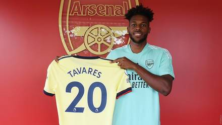 OFFICIAL: Arsenal Sign Portuguese Defender Tavares From Benfica