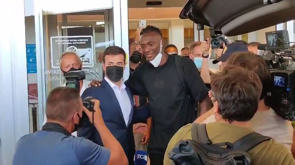 Abraham Arrives In Italy To Seal £34m Transfer To Roma