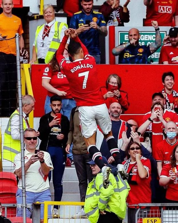 Ronaldo Marks Return With Brace As Man United