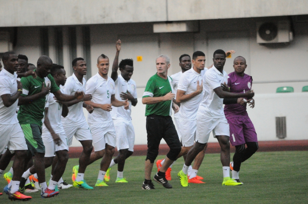 Floodlights Fail As Super Eagles Thrash Akwa United In Friendly