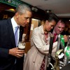 800px-Michelle_Obama_pours_a_pint_of_stout