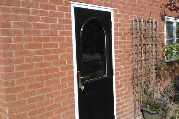 Black-2-Panel-1-Arch-Global-Composite-Door-3