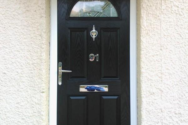 Black-4-Panel-1-Arch-Global-Composite-Door-8