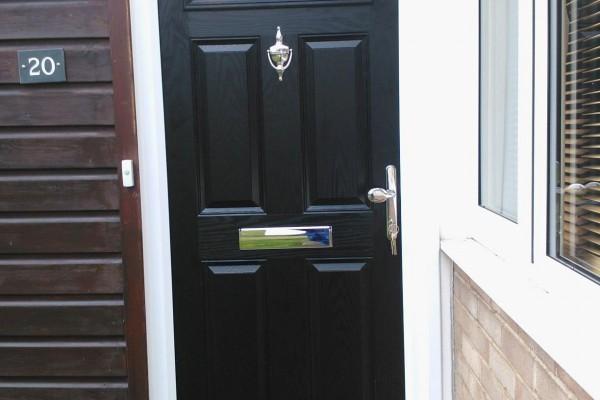 Black-4-Panel-1-Arch-Global-Composite-Door4