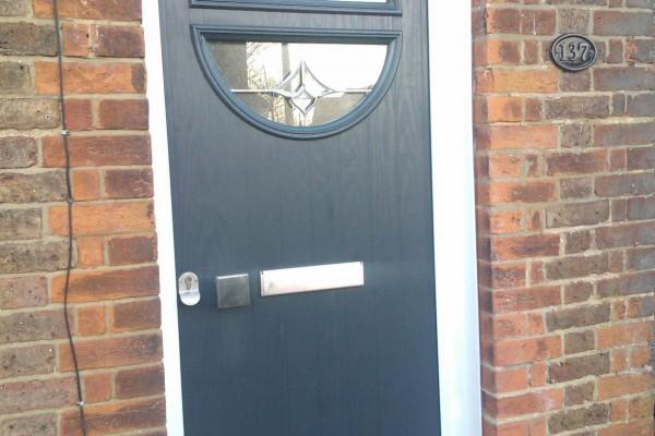 Black-Circle-Global-Composite-Door-5 2