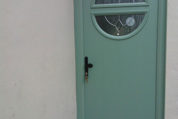 Chartwell-Green-Circle-Global-Composite-Door 2