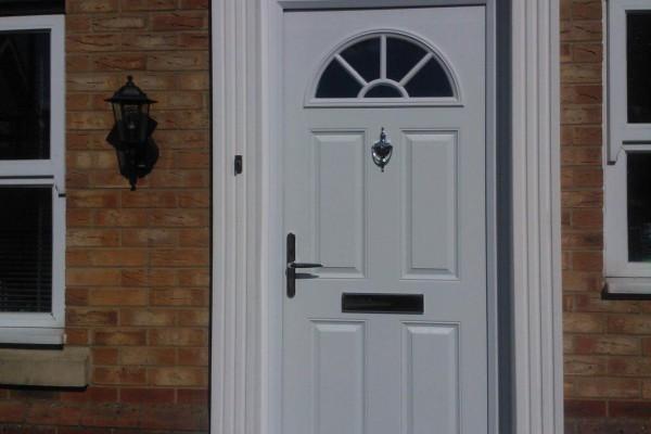 White-4-Panel-1-Sunburst-Global-Composite-Door-5