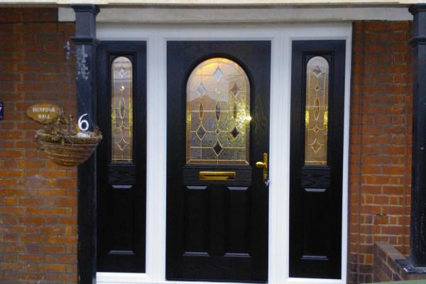 black-2-panel-1-arch-twin-side-panel-global-composite-door