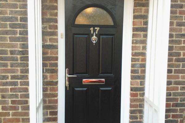 black-4-panel-1-arch-global-composite-door-2