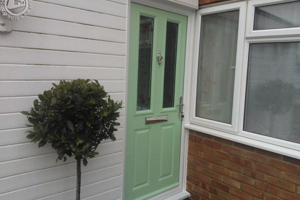green-2-panel-2-square-global-composite-door-4