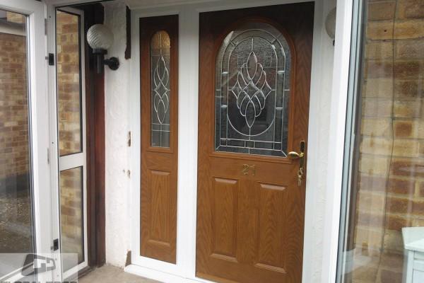 oak 2 panel 1 arch Composite Door sidepanel