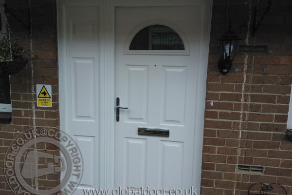 white-4-panel-1-arch-global-composite-door-with-side-panel