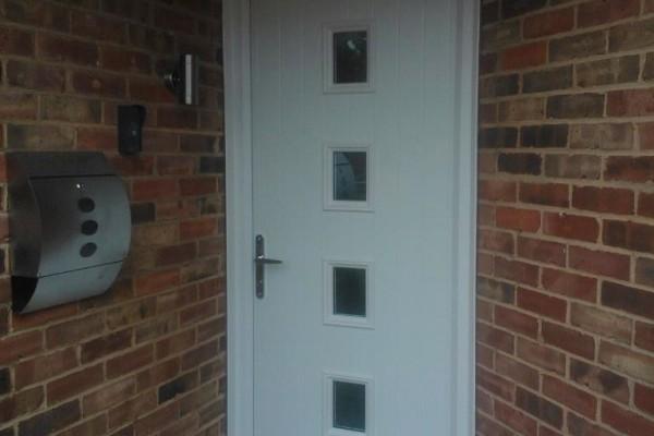white-4-square-global-composite-door 2