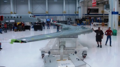 Photo of Carbon Composite Wings Arrive for Learjet 85
