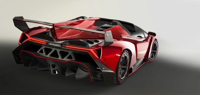 veneno_roadster_back