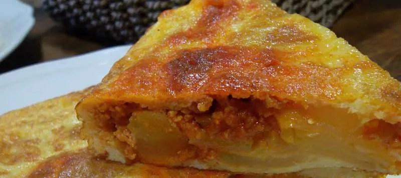 Tortilla de sobrasada y tosta rústica