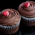 Cupcake masala de chocolate con cobertura de chocolate Kefir