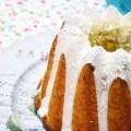 Bundt cake de calabaza y kéfir, con dátiles y coco