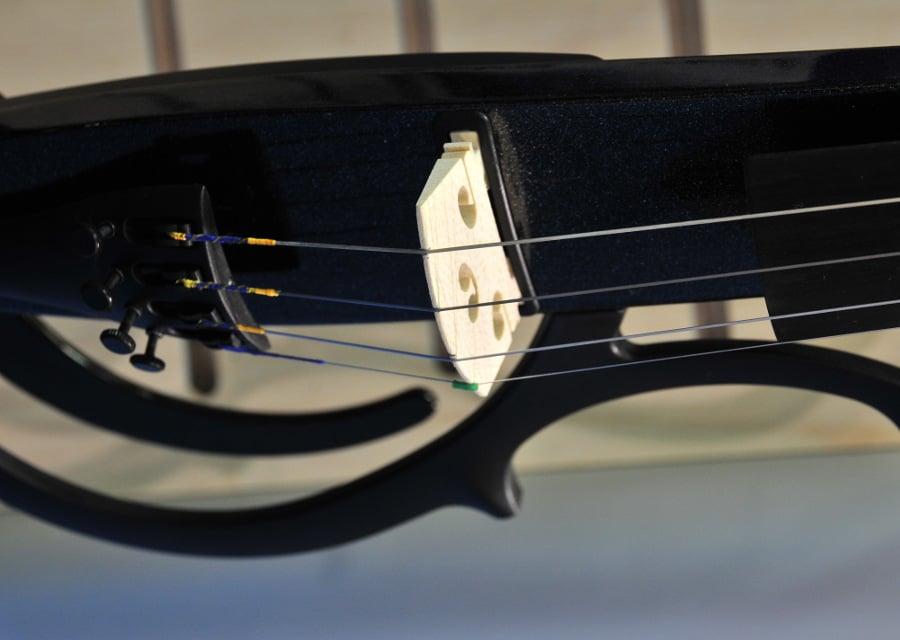 Violines eléctricos: Cómo se hace un violín eléctrico [Vídeo]