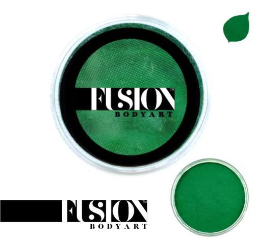 Fusion Body Art Prime Fresh Green es realmente un color único que ninguna otra marca puede igualar. Con una mezcla de tonos azul perla y verde, este color es perfecto para diseños inspirados en pavos reales, Mardi Gras e incluso diseños de sirenas.  Las posibilidades son infinitas con Fusion Body Art Prime Fresh Green, ya que cambia de color según la forma en que la luz lo toque, este es un verdadero color de pintura facial de doble tono. Aplique en capas finas para evitar movimientos súper gruesos que podrían agrietarse cuando se secan. Los Fusion Body Art Face Paints son excelentes para los pintores y cosplayers profesionales, así como para los artistas principiantes y padres que necesitan un producto de pintura facial de alta calidad pero a precio accesible para una fiesta o simplemente por diversión. Face Paint - Prime Fresh Green