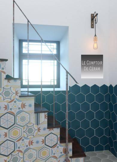 carrelage hexagone sol et mur uni et a