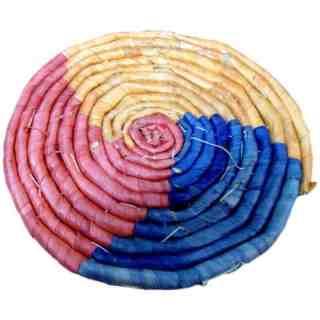 Dessous de plat rond en paille multicolore