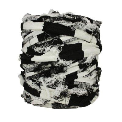 Trapilho-bobine-pelote-rayé-noir-blanc-cassé