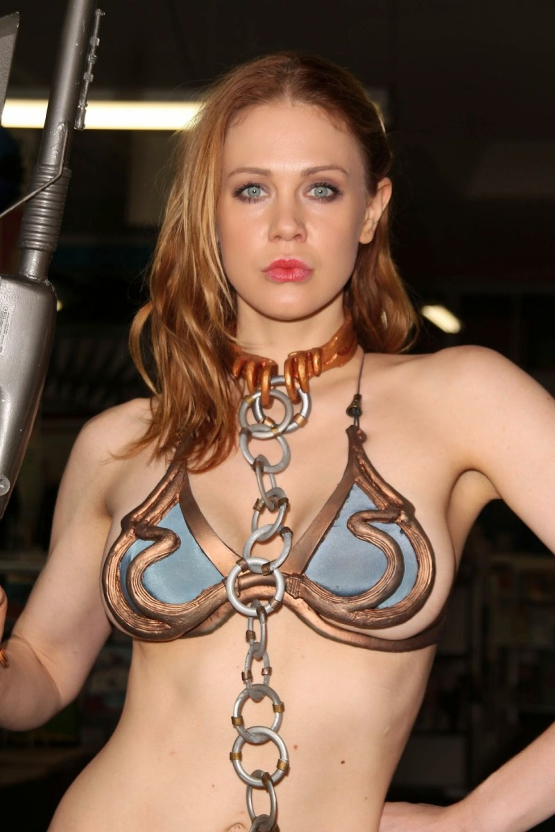 Maitland Ward Baxter - Leia Slave Metal Bikini Cosplay