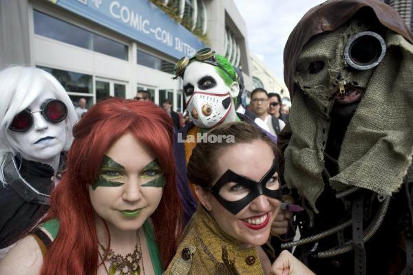 comiccon--superheroinas-deben-esperar-11-20150710061718-89f142c229e39da28bd00579a6dd7329