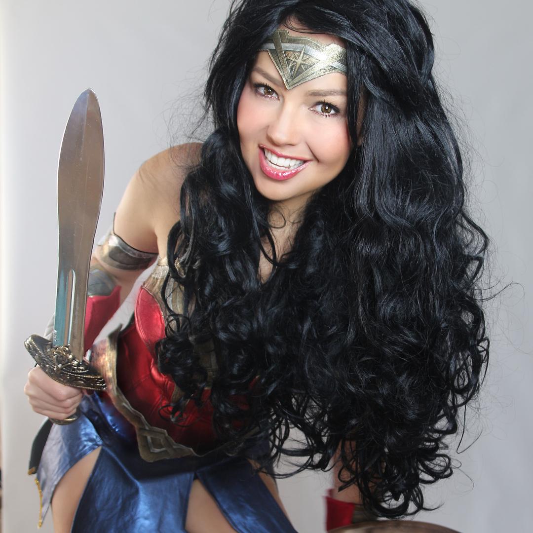 Thalia y su disfraz de Wonder Woman...
