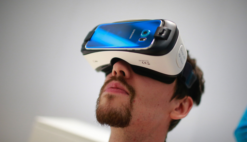 Virtual Reality Glasses: Getty Image