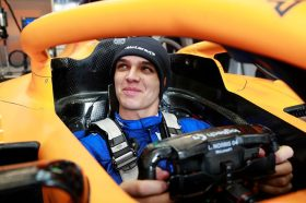 邁向電子競技新境界 Logitech G與頂尖車隊McLaren聯手