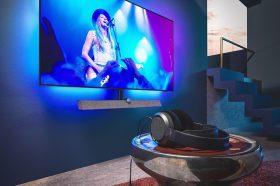 Philips全新OLED 935大型顯示器炫彩登場!帶來Ambilight情境燈效和Play-Fi技術