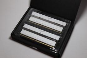 超迷人白色鏡面設計!十銓T-FORCE XTEEEM ARGB DDR4 記憶體白色版開箱