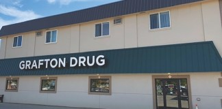 Grafton_Drug_Grafton_ND_exterior