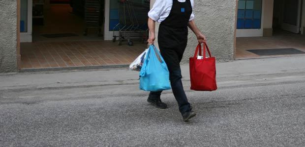 Servizio gratuito di spesa a domicilio per gli anziani