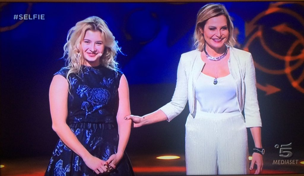 La moda di Anna Jolie su Canale 5