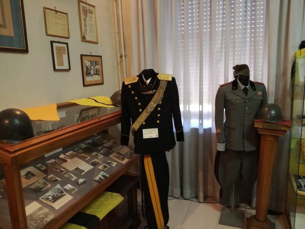 Una mostra dei preziosi reperti storici della Divisione Acqui ed un nuovo libro nella giornata dedicata ai morti di Cefalonia