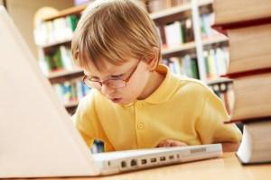 Solo el 2 de alumnos saben seleccionar información relevante en Internet