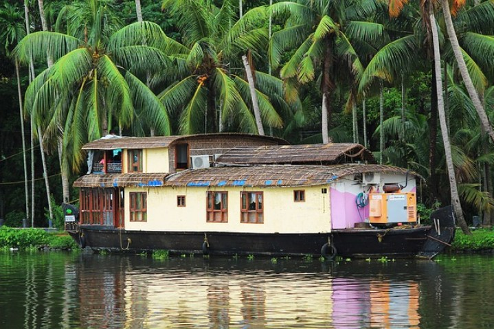 house-boat-400098_640