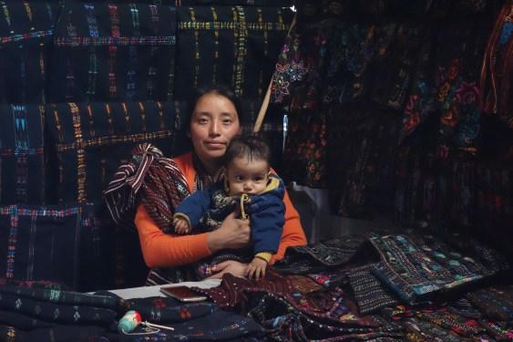 45.5.19_Guatemala y Copan_Mercado Camino a Panajachel