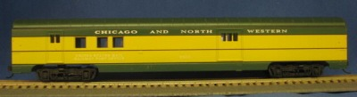HO 72 Ft Passenger Car Coach #3411 Chicago and North Western (Green-Yellow) (1-000916)