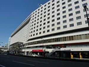 「赤坂見附駅」徒歩1分の立地です。