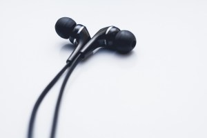 Con-TACT: decent earphones are already an improvement