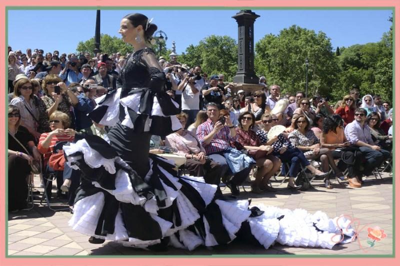 Ángel Corrales en el Desfile trajes flamenca Centenario Parque Maria Luisa