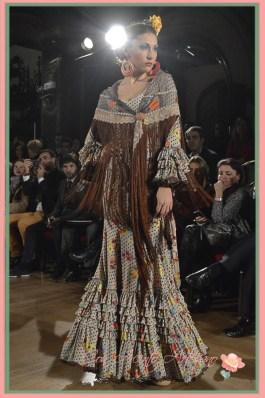 Traje de flamenca estampado estilo rociero de El Ajoli
