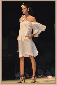 Vestido cóctel en blanco de Juana Martin