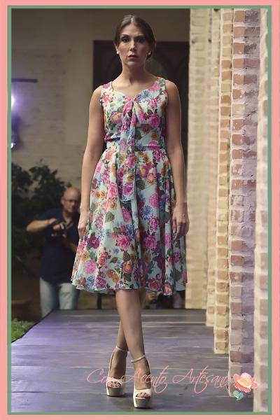 Vestido lady like de estampado de flores de Alegna